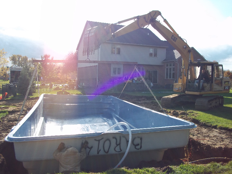 Inground fiberglass pools macomb county inground pools for Pool show michigan