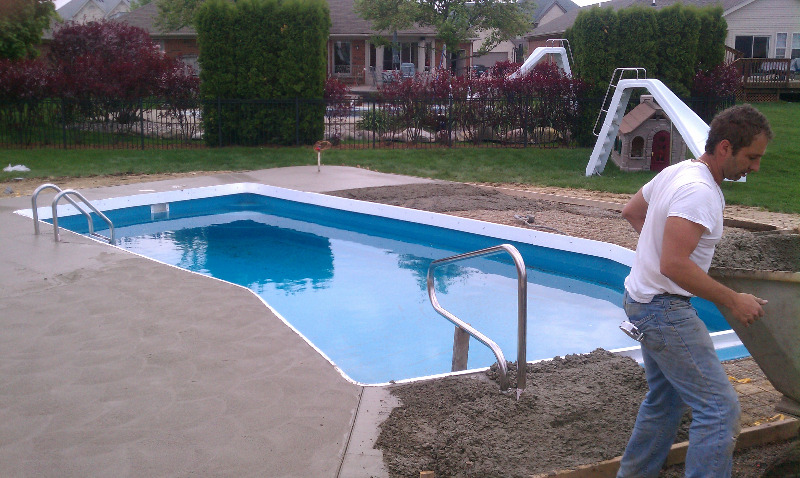 Macomb county inground pools fiberglass vinyl liner for Inground pool companies